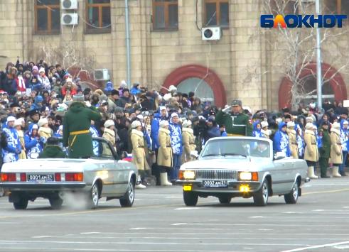 «Блокнот Волгограда» публикует лучшие моменты парада в честь 75-летия Сталинградской победы