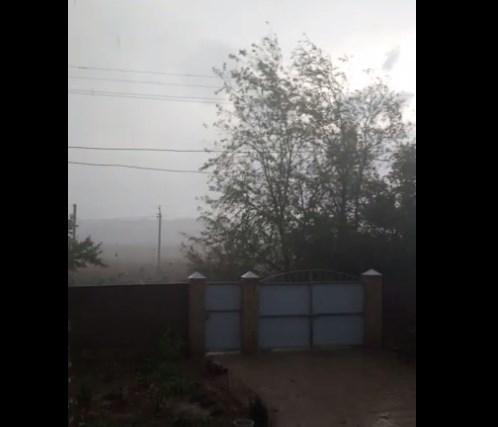На Волгоград обрушились гром и ливень