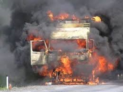Под Волгоградом из-за столкновения двух фур произошел сильнейший взрыв