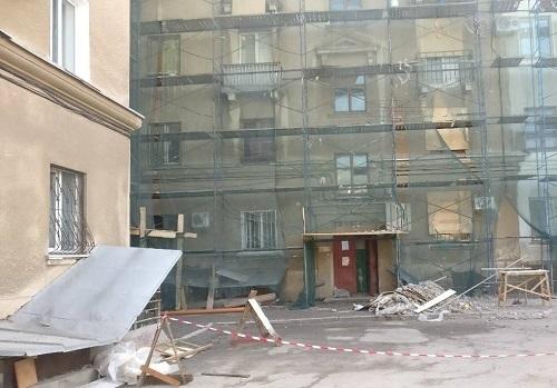 Особенную четырехэтажку на юге Волгограда отремонтируют за 22 млн рублей