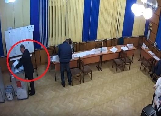 Грязный политический скандал в Волгограде: на выборах президента производили вброс бюллетеней