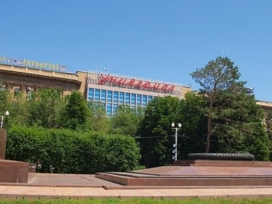 Предпринимателям назвали крайний срок, когда они должны покинуть ЦУМ Волгограда