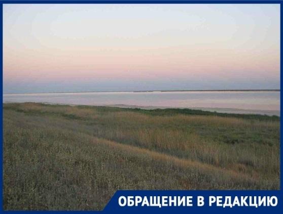Денег нет: мужчина борется с администрацией за восстановление озера в Волгоградской области