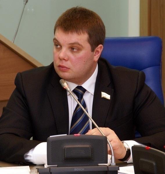 Депутат Волгоградской областной думы Сергей Попов объявил о начале работы юридических консультаций,