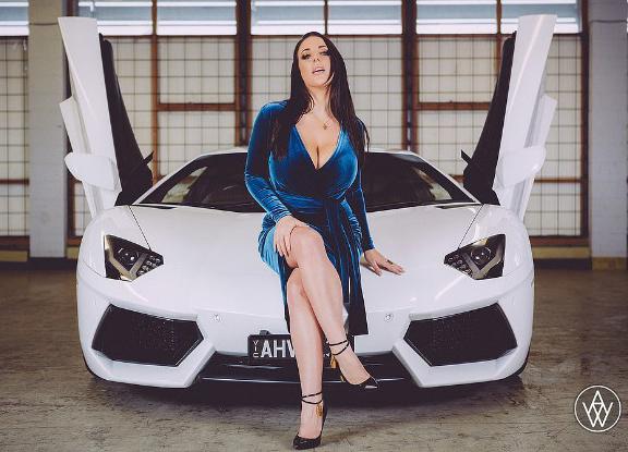 Волгоград попал в топ-10 городов по покупке Lamborghini