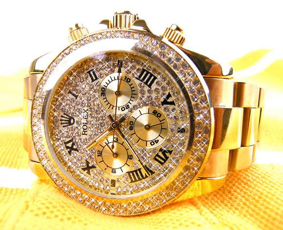 В Волгограде из квартиры похищены часы за 100 тысяч рублей