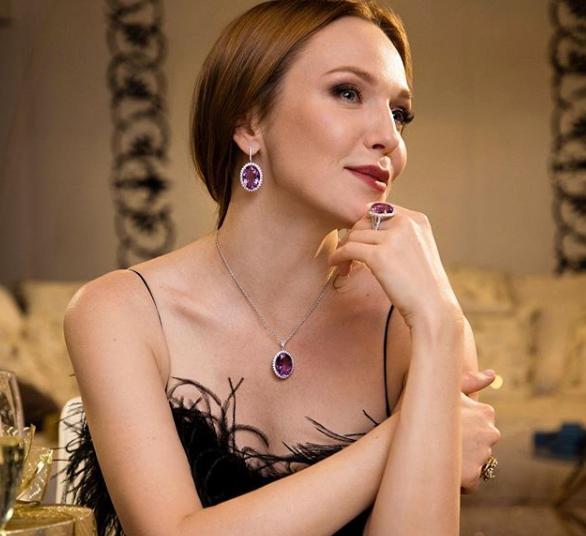 Альбина Джанабаева раскрыла секрет своего одиночества