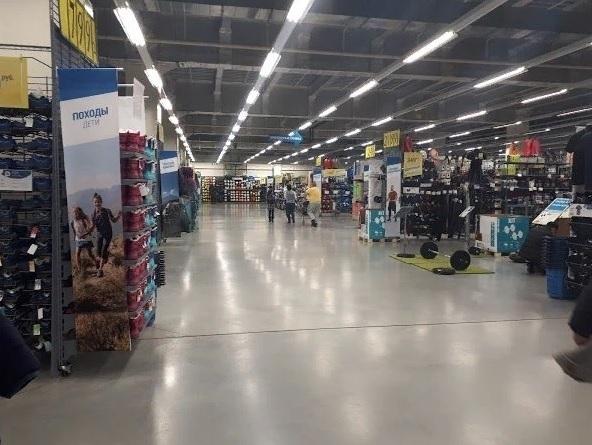 В Волгограде закрывается спортивный магазин Decathlon