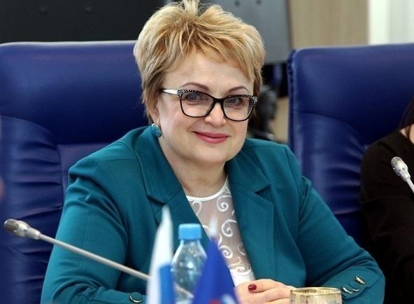 Депутат Госдумы Нина Черняева «похвасталась» в налоговой декларации автомобилем Mazda и собственными землями