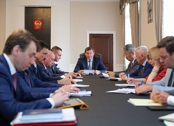 Андрей Бочаров по поручению Путина пообещал сохранить льготы, несмотря на пенсионную реформу