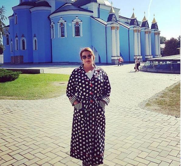 Актриса Вера Сотникова наслаждается «пушкинской» осенью на Украине