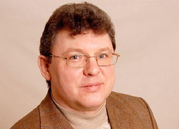 Суд на три месяца продлил арест подозреваемому в мошенничестве депутату Евгению Щуру