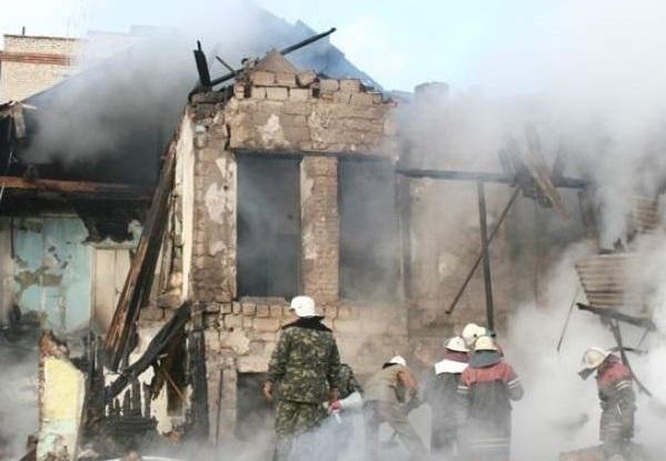 В частном доме Волжского прогремел взрыв бытового газа: 1 пострадал