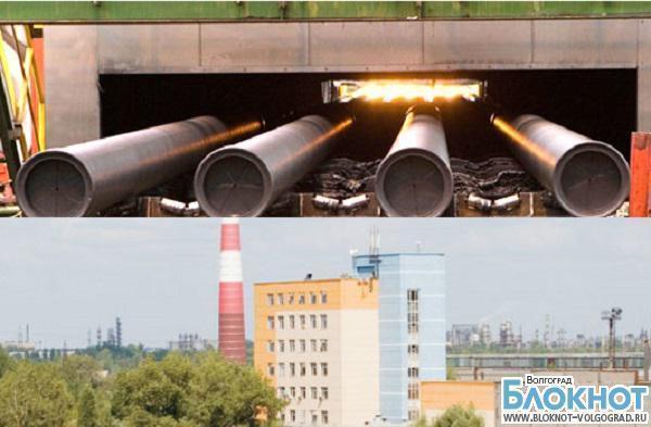 В Волгоградской области горит трубный завод