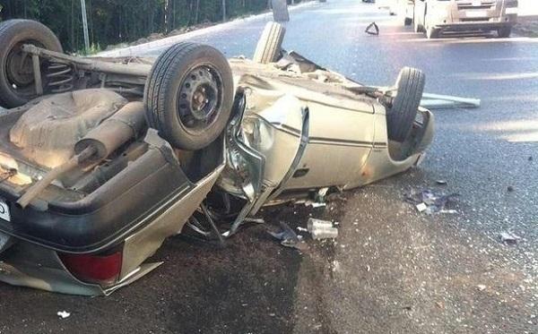 Автоледи на Daewoo чудом выжила после столкновения с тягачом и пожара на трассе под Волгоградом