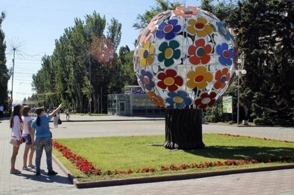 Администрация Волгограда наплевала на распоряжение губернатора снести «Дерево Гусевой»