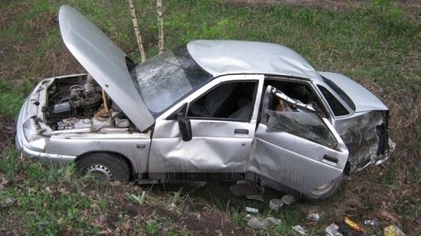 26-летний шофёр без прав разбился на«Ладе» под Волгоградом