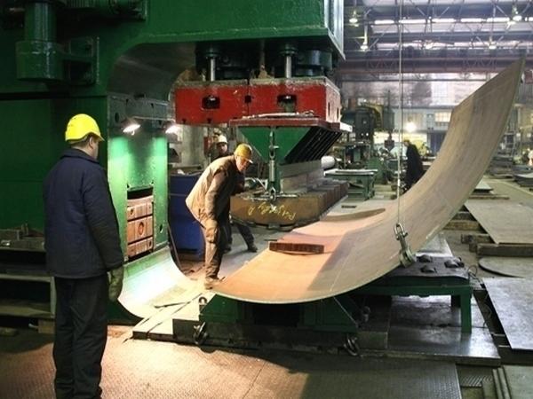 На судостроительном заводе Волгограда рабочему станком распороло живот