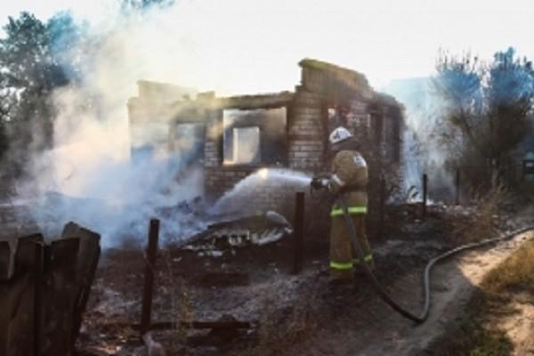 Тело мужчины обнаружили на пепелище дома под Волгоградом