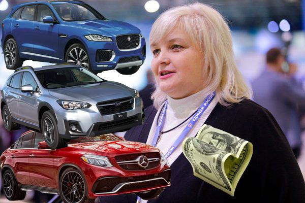 Директор лицея №5 в Волгограде оказалась хозяйкой трех невероятно дорогих иномарок
