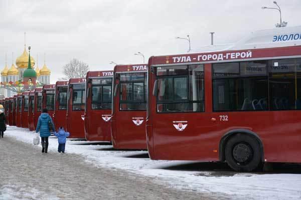 По улицам Волгограда проедут девять автобусов с именами городов-героев