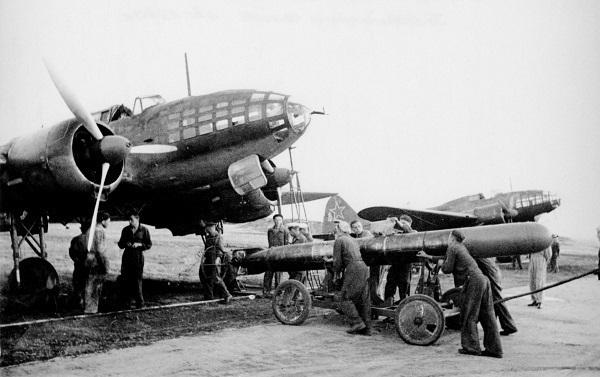26 июля 1942 года - на помощь Сталинграду прибыли 200 самолетов с Дальнего Востока