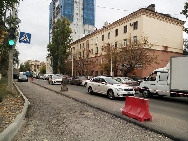 Мэрия Волгограда обещает до конца недели завершить ремонт на Козловской