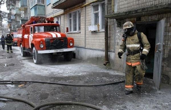 В Волгограде загорелись парикмахерская и зоомагазин