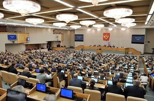 Политические эксперты с сомнением наблюдают за началом работы в Госдуме депутатов от Волгоградской области