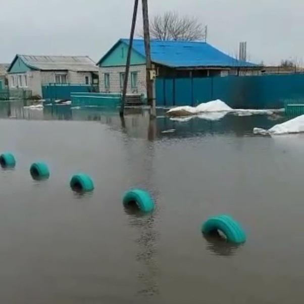 Началась эвакуация затопленных деревень в Волгоградской области