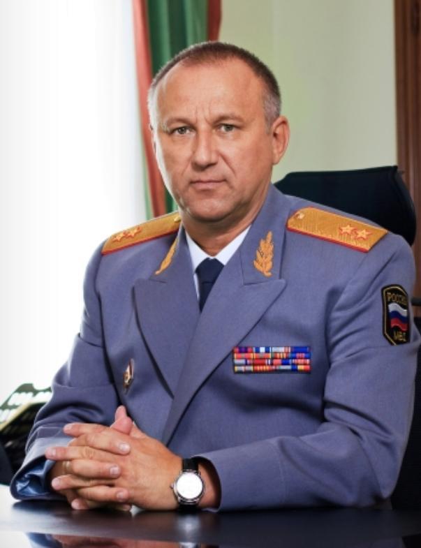 Сегодня тот самый день, когда генералу Кравченко нужно дарить цветы