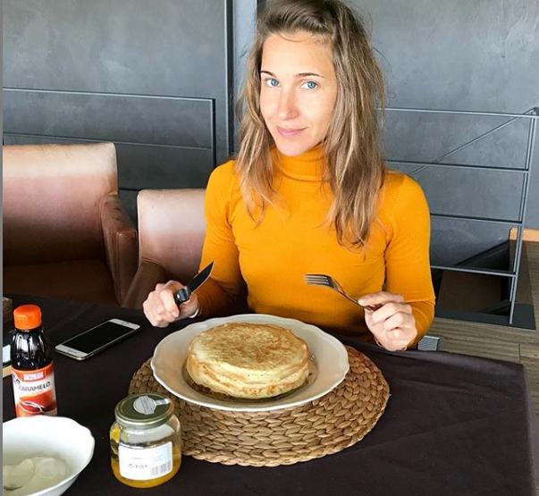 Юлия Ковальчук поведала, как растрясает мамины блины