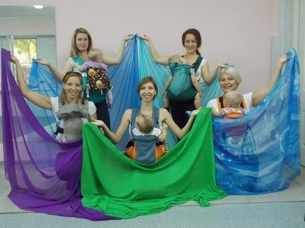 Волгоградские мамочки устроили зажигательные танцы с детьми в слингах