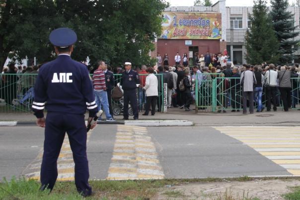 На 1 сентября каждой волгоградской школе выделят по два полицейских