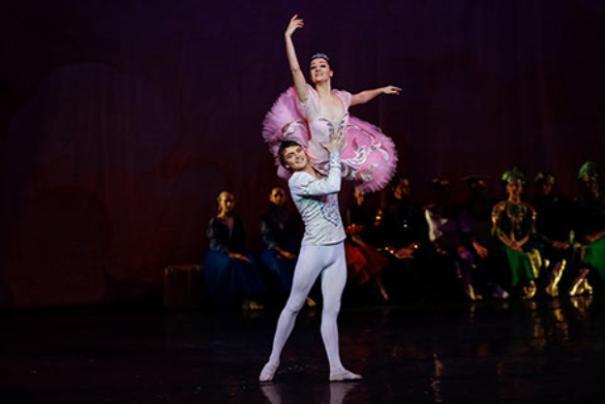 Чиновники Волгограда готовы дать деньги театрам, не имеющим долгов по налогам