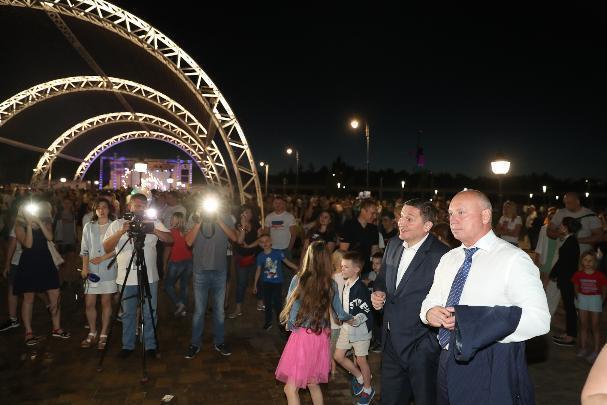 Губернатор Андрей Бочаров и мэр Виталий Лихачев вчерашний вечер провели вместе