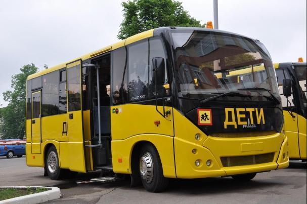 Федеральный бюджет закупает нищему Волгограду школьные автобусы и кареты «скорой помощи»