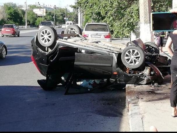 В Волгограде ищут очевидцев страшной аварии с участием большегруза и «Ford Fiesta»