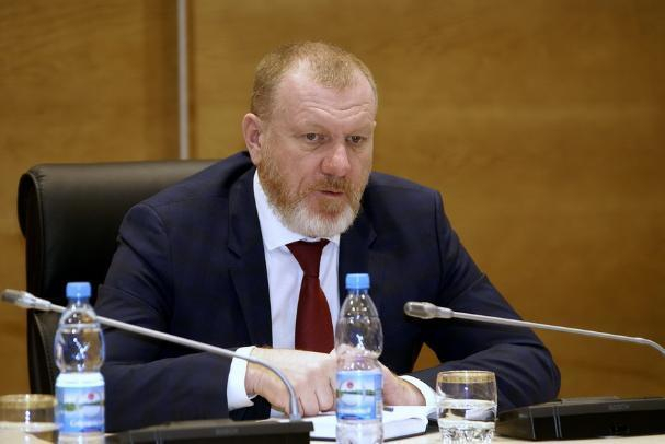 Лидер волгоградских единороссов  оброс бородой и стал похож на протодиакона
