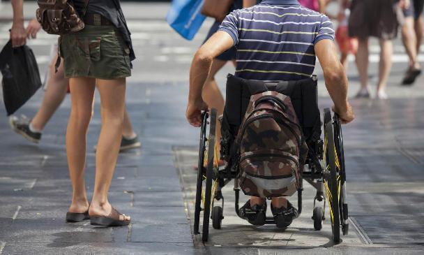 В Волгограде студентам – инвалидам помогли найти работу