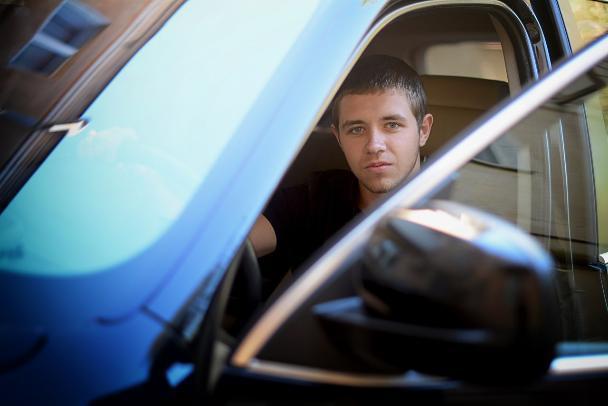 Депутатом Волжской гордумы стал 19-летний продавец алкомаркета