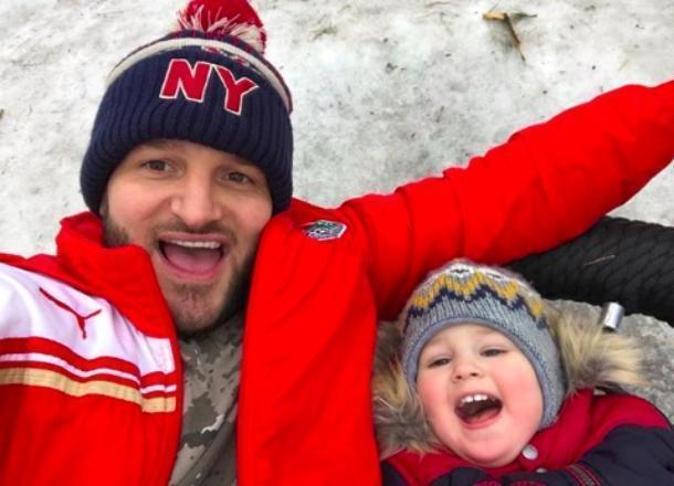 Экс-звезда «Дом-2» Алексей Самсонов видит сына 3 часа в неделю и платит 6 тысяч рублей алиментов