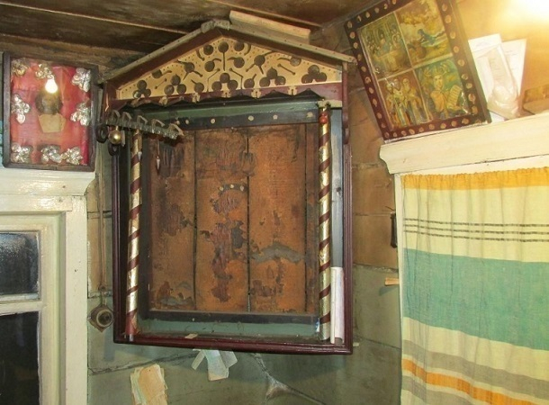 Волгоградец похитил у99-летней пенсионерки икону XIX века