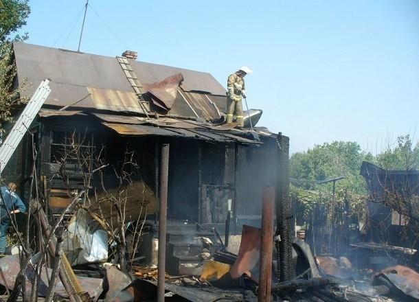 Женщина и ее сын заживо сгорели в бане в Волгоградской области