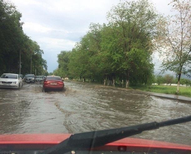 Набережная Волгограда «поплыла» после короткого дождя