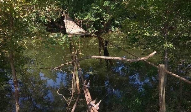 Власти Фролово обрубили мост жителям микрорайона Заречный, оставив их без цивилизации