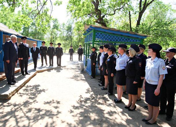 Глава МВД Колокольцев лично встретился с полицейскими после публикации их жуткой кормежки в Волгограде