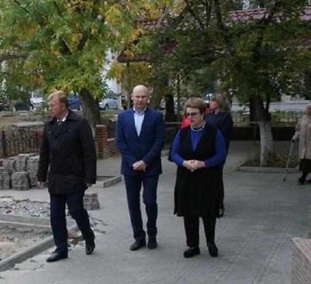 Депутат Госдумы от Волгоградской области ходит по дворам