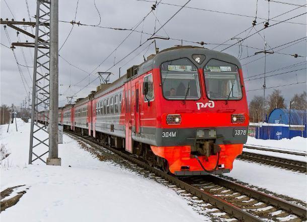 Жители Волгограда не смогут добраться до Волжского на электричке в новогодние праздники