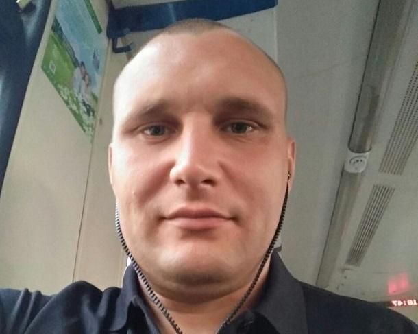 Мэр Волжского объявил вознаграждение заинформацию опредполагаемом похитителе 2-х девушек